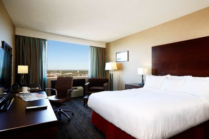 Radisson Downtown Winnipeg Hotel Room